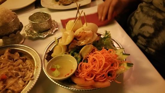 Neo Thai Restaurant: BBQ seafood on skewers
