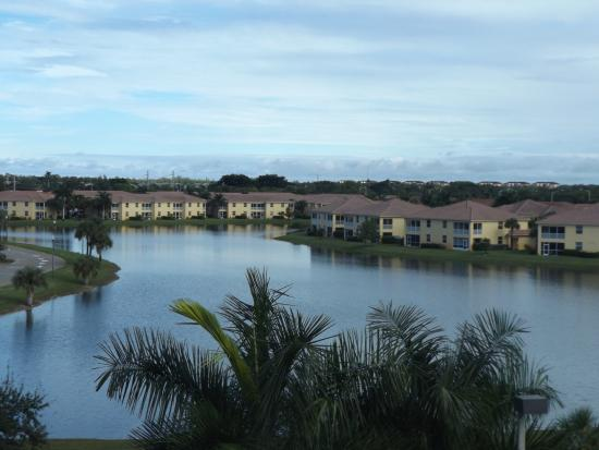 Hampton Inn & Suites Fort Myers - Colonial Blvd: View from our room
