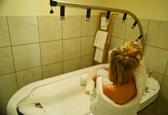 Ellenis Day Spa Full Wet Room Treatments