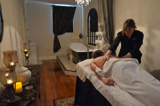 Ellenis Day Spa Luxury Suites Including Private Baths