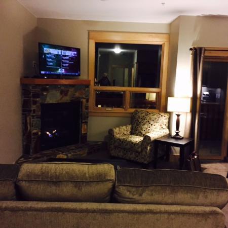 Red Mountain Village: Livingroom