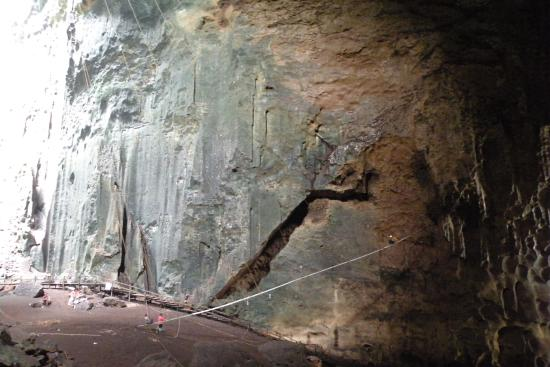 Gomantong Cave Sandakan: пещера