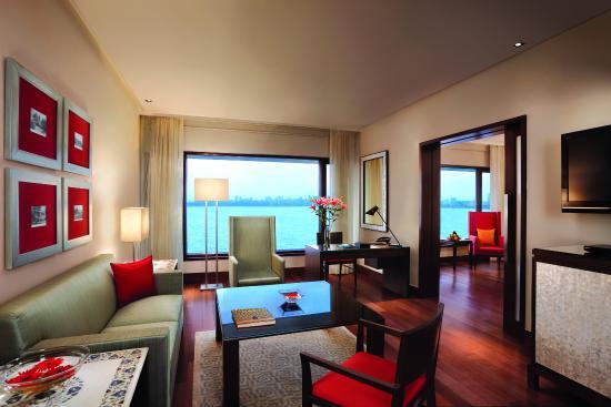 The Oberoi, Mumbai: Oberoi Executive Suite Ocean View Living Room