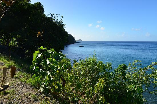 Champagne Beach: l'entrée du chemin d'accès à la plage
