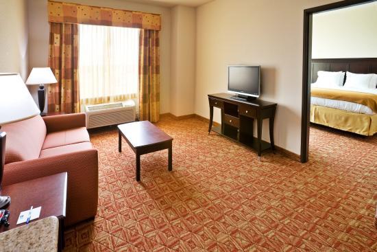 Denison, TX: Executive Suite