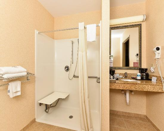 Upper Marlboro, MD: Bathroom