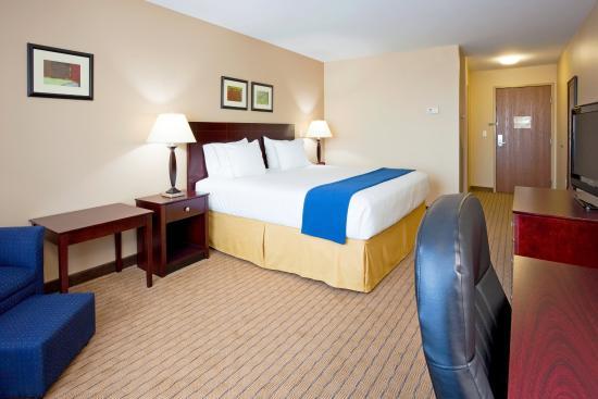 Devils Lake, ND: King Bed Guest Room