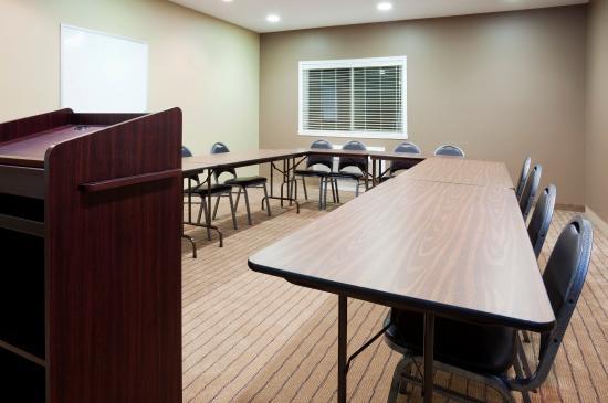 Devils Lake, ND: Meeting Room