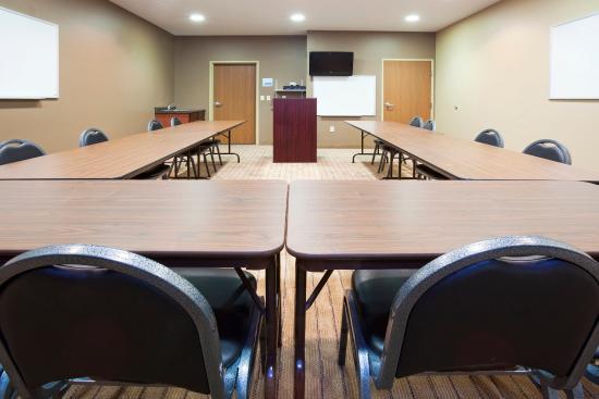 Devils Lake, ND: Conference Room
