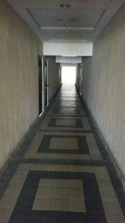 Lancaster Hotel Cebu : Scary and terrible!