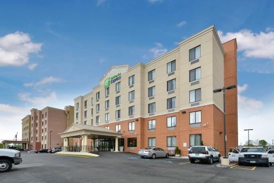 ‪Holiday Inn Express - Staten Island West‬