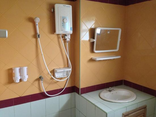 Pong, Tailandia: Bathroom
