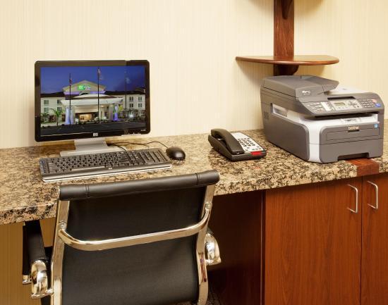 Dinuba, CA: Business Center