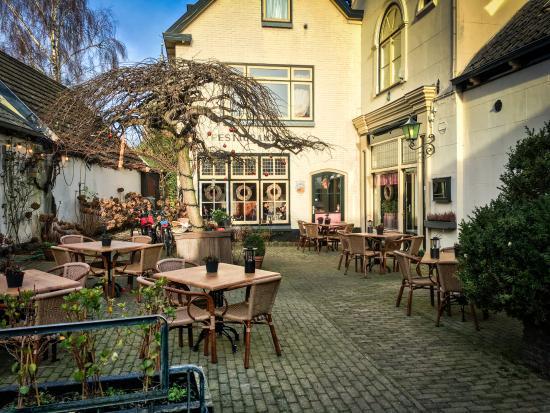 Vreeland, เนเธอร์แลนด์: Outside terrace seating for Noord-Brabant.