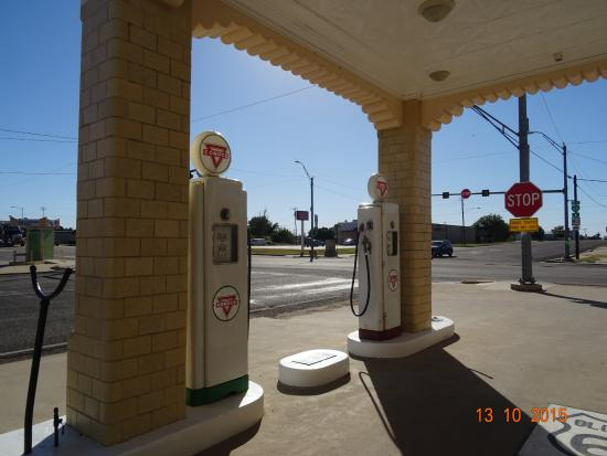 Shamrock, TX: pumps in place