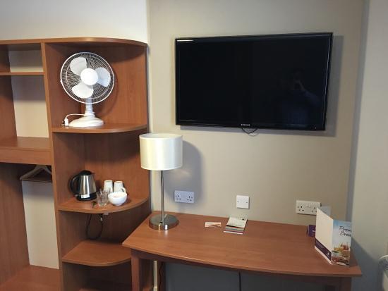 Premier Inn Caerphilly Crossways Hotel: photo1.jpg