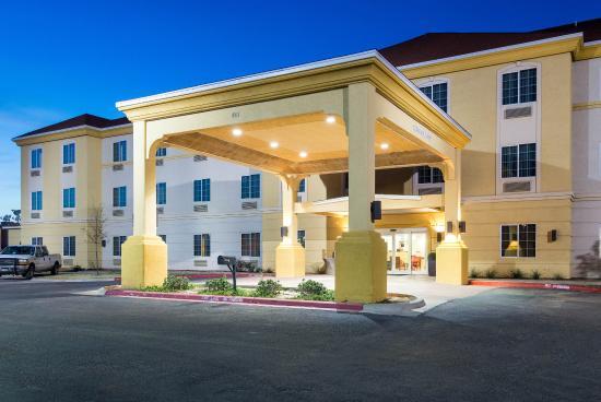 Comfort Inn & Suites Odessa: Exterior