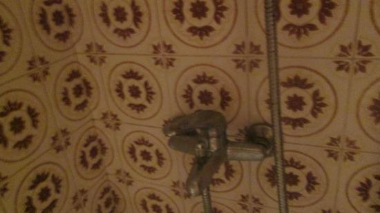 The rotting rusty shower cable picture of apartamentos sofia playa ibiza es canar tripadvisor - Apartamentos sofia playa ibiza ...