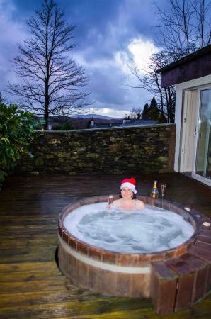 Gilpin Hotel U0026 Lake House: Garden Suite Cedar Hot Tub