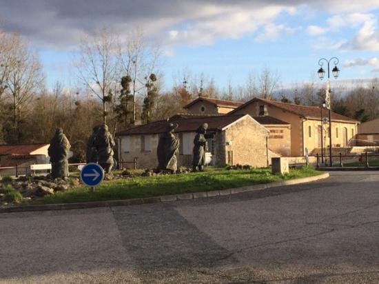 Pons, France: photo3.jpg