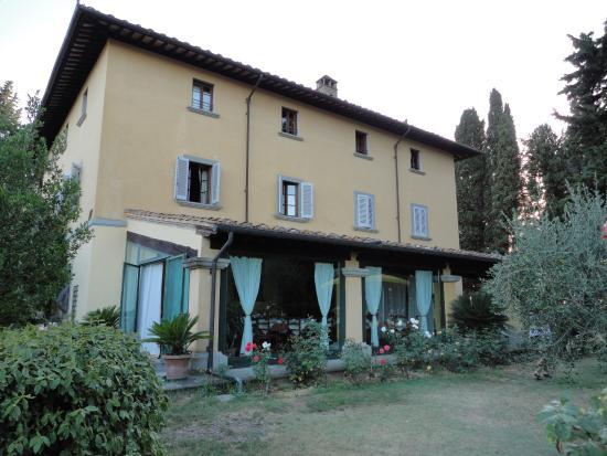 Монтеспертоли, Италия: Haupthaus mit Frühstücksraum