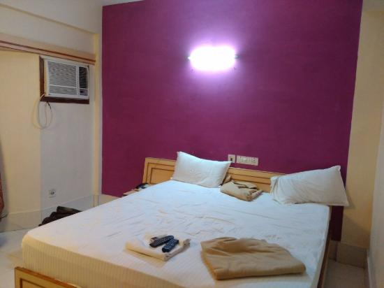 Hotel Aparupa: Room Inside View