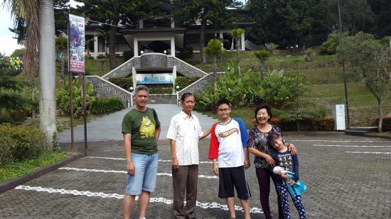 Lembang Asri: vie depan resto