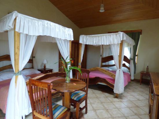 Hotel Claro de Luna: Chambre dans l'annexe