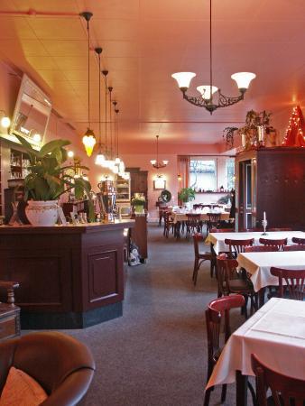 caf restaurant paradies mannheim restaurant bewertungen telefonnummer fotos tripadvisor. Black Bedroom Furniture Sets. Home Design Ideas
