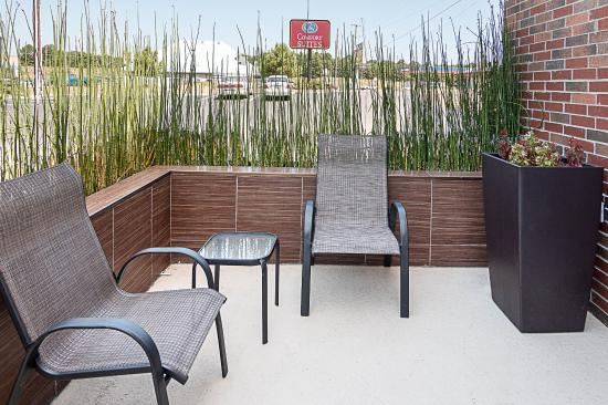 Comfort Suites Natchitoches: Patio