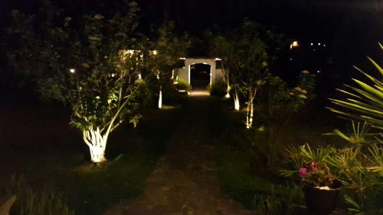 Hacienda Abraspungo: 20151231_210123_large.jpg