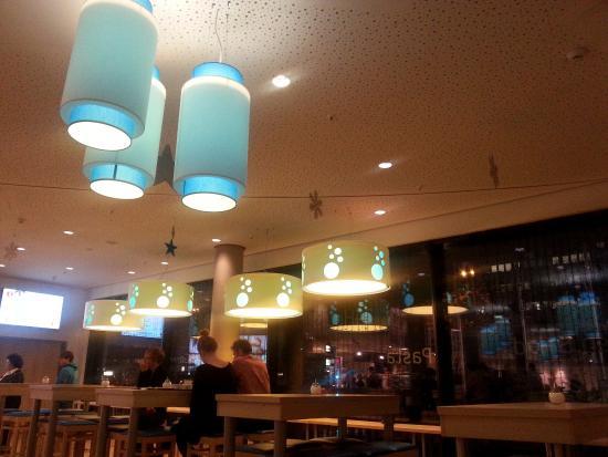 H2 Hotel Berlin Alexanderplatz: Lobby