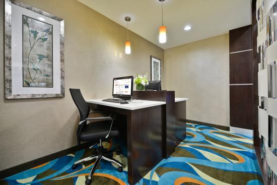 Forrest City, AR: Business Center