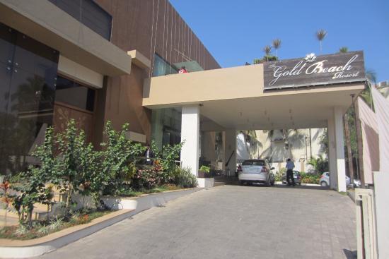 The Gold Beach Resort Entrance