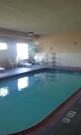 Salem, IL: Indoor Pool