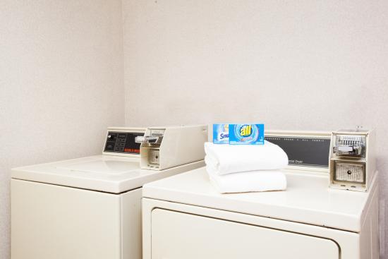 Brewerton, estado de Nueva York: Guest Laundry