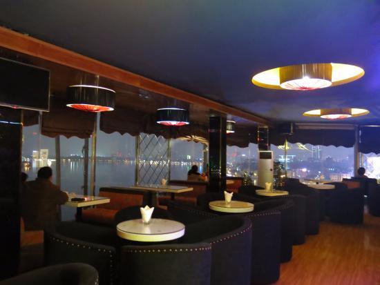 Sunset Westlake Hanoi Hotel: Quán cafe trên lầu cao nhất