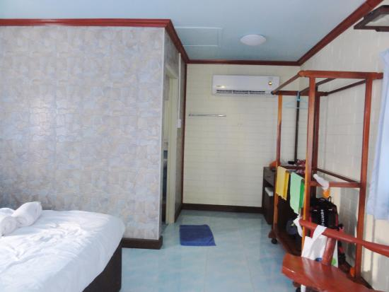 Bellhouse: bedroom  view 1