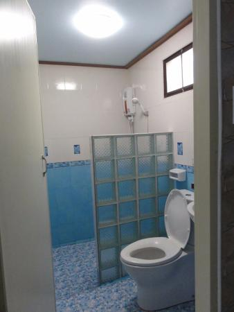 Bellhouse: bathroom view