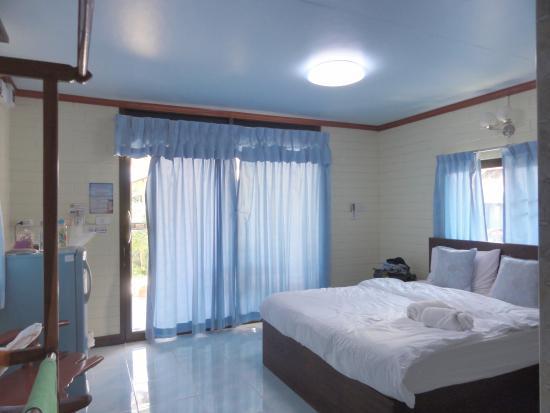 Bellhouse: bedroom view 2