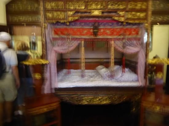 Il letto a baldacchino nella camera da letto padronale - Picture of ...