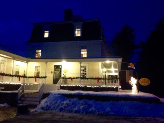 Ballard House Inn: photo1.jpg