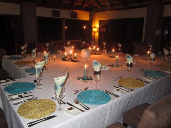 Balule Private Game Reserve, Sydafrika: Dining at Enkoveni