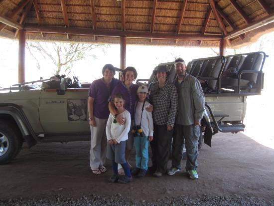 Balule Private Game Reserve, جنوب أفريقيا: With Wendy and Bianca at Bush Camp