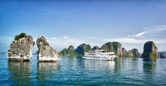 Hanoi Halong Tours Real Bay