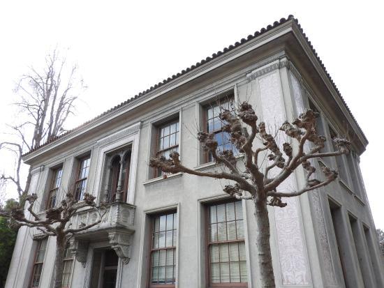 University of California, Berkeley: Edificios de facultad
