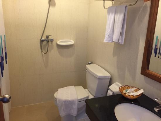 KR Hotel and Restaurant : photo3.jpg
