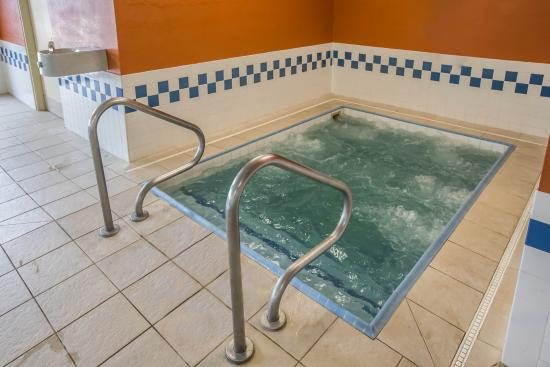 Quality Inn & Suites South: ILPool