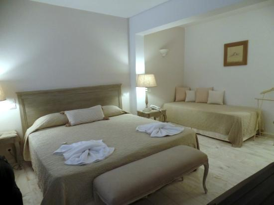 Saint Andrea Seaside Resort: Large Comfortable Room