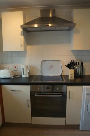 Ellingham Self-Catering Cottages: Kitchen in Prestige Cottage
